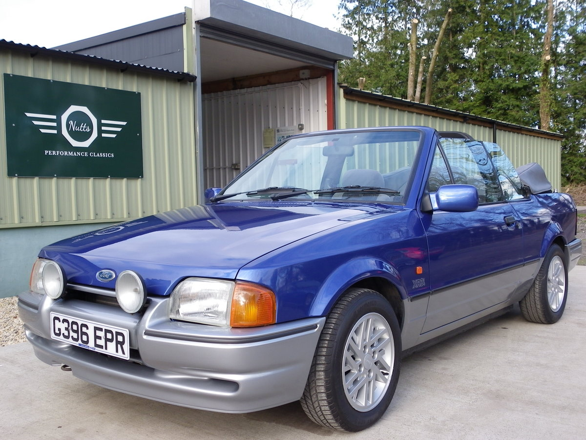 1990 Ford Escort XR3i Convertible, Beautiful unmolested car SOLD (picture 2 of 6)