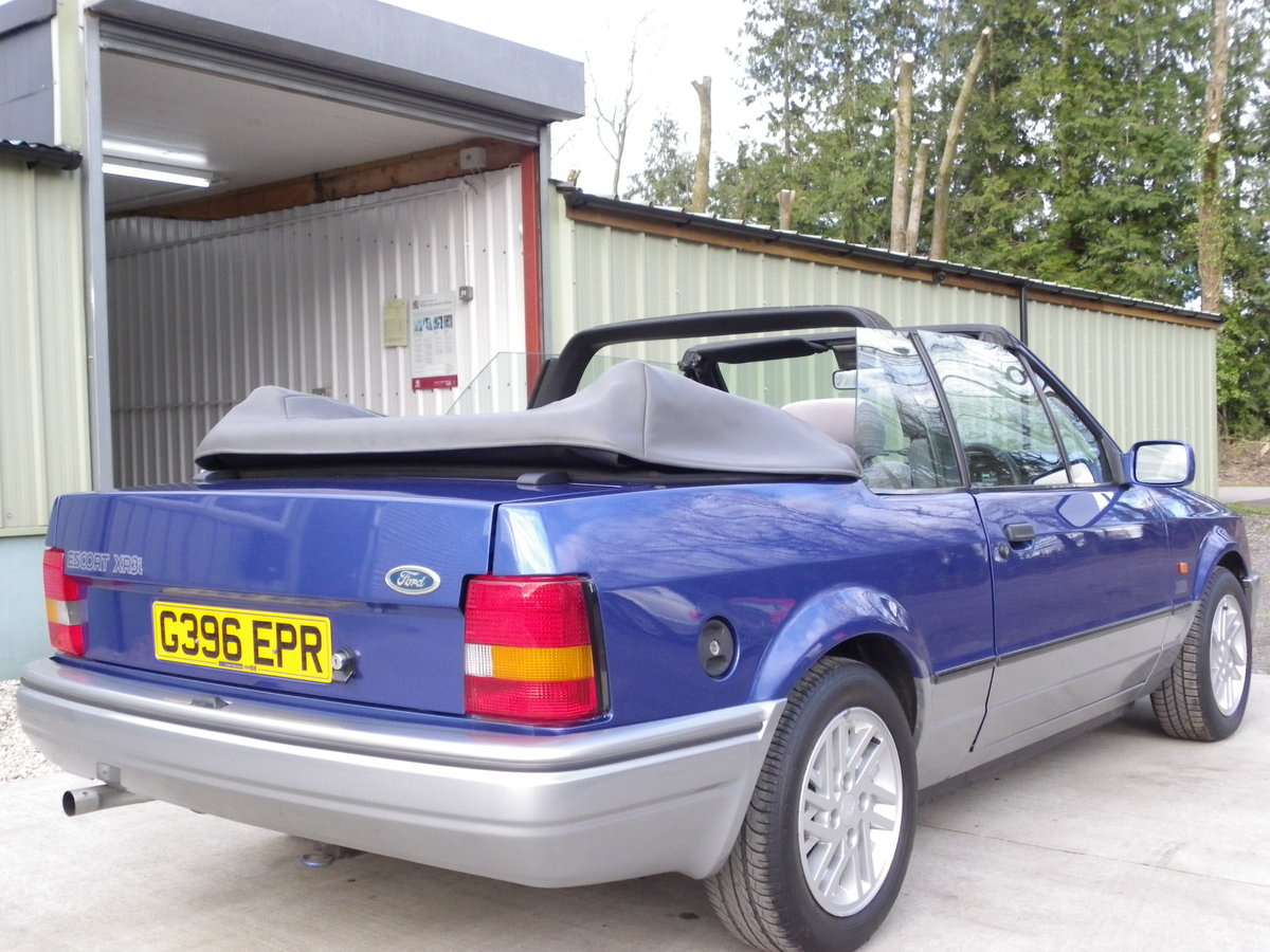 1990 Ford Escort XR3i Convertible, Beautiful unmolested car SOLD (picture 4 of 6)