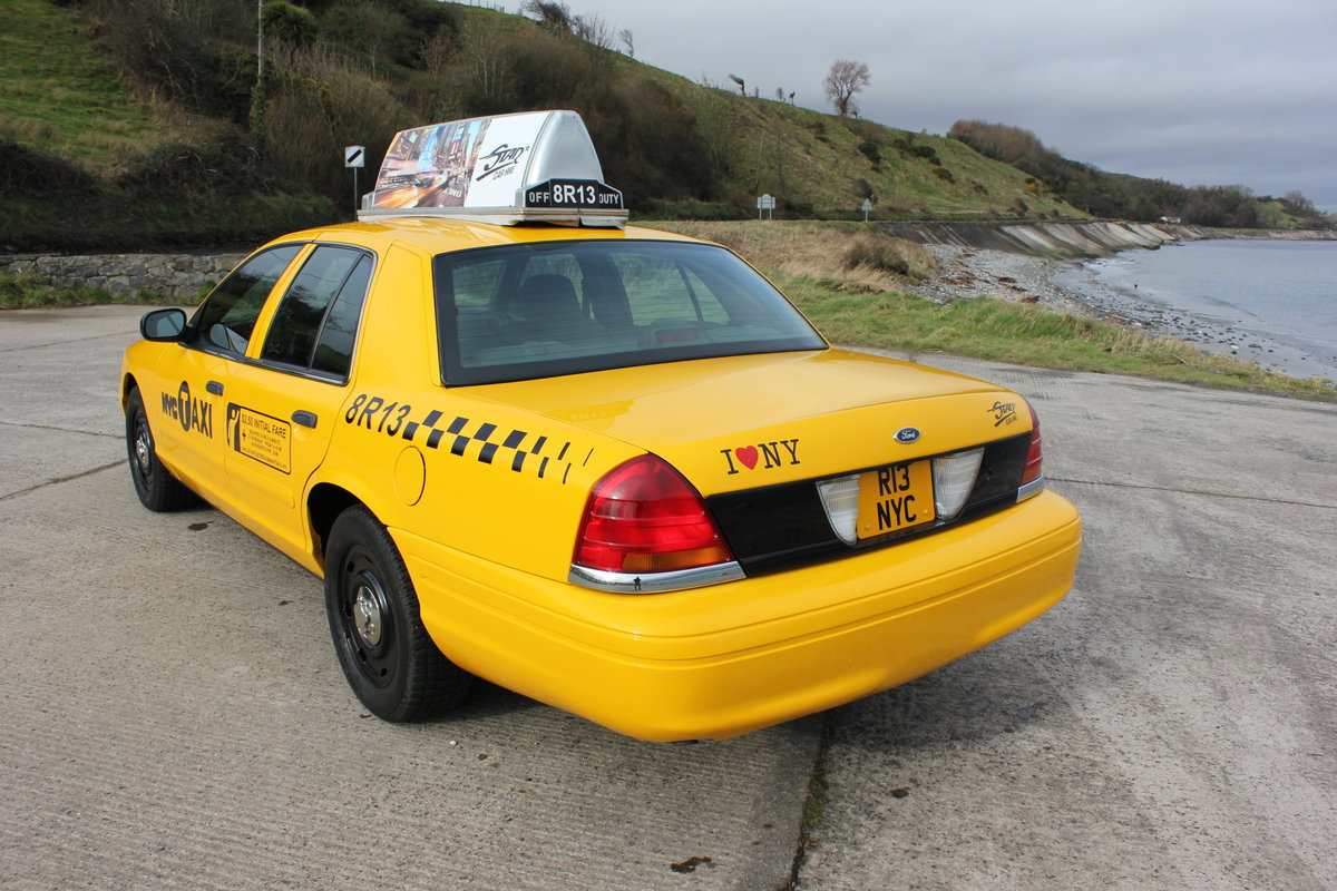 MINT 2003 Ford Crown Victoria New York Taxi Cab For Sale (picture 2 of 6)