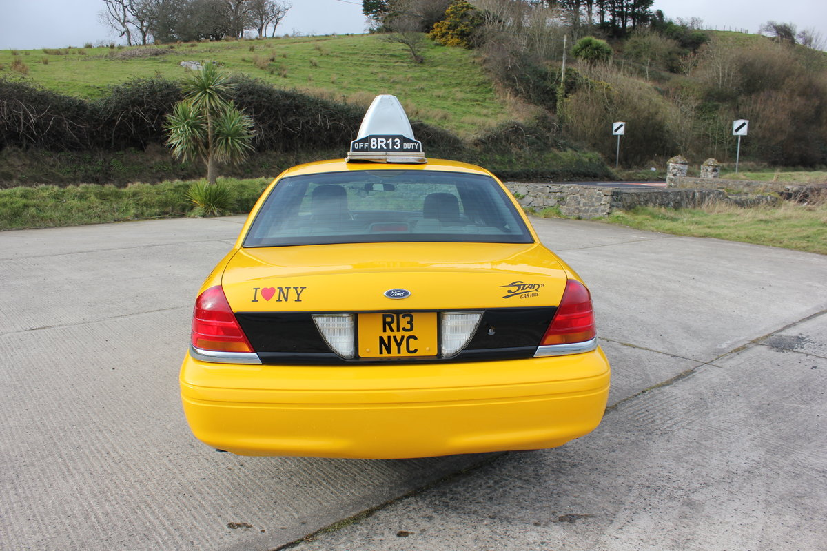 MINT 2003 Ford Crown Victoria New York Taxi Cab For Sale (picture 3 of 6)