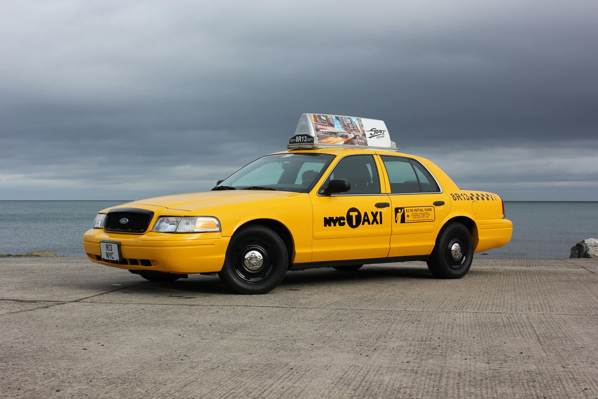 MINT 2003 Ford Crown Victoria New York Taxi Cab For Sale (picture 6 of 6)