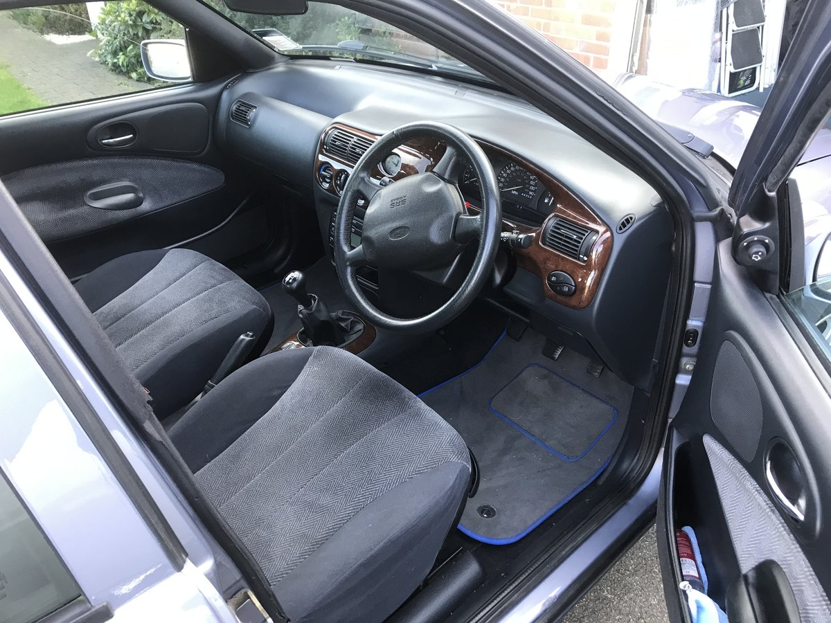 1998 Classic Ford Escort 1.8 Ghia For Sale (picture 2 of 6)