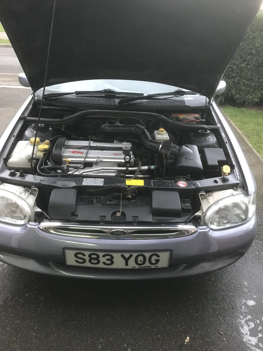 1998 Classic Ford Escort 1.8 Ghia For Sale (picture 4 of 6)