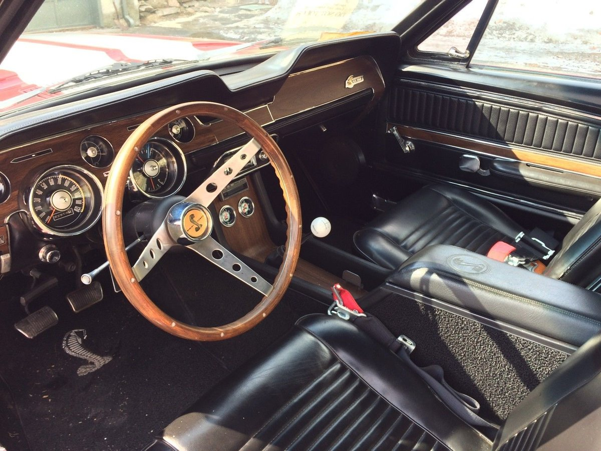 1968 Mustang Fastback Shelby looks V8 and 5 speed  For Sale (picture 4 of 6)