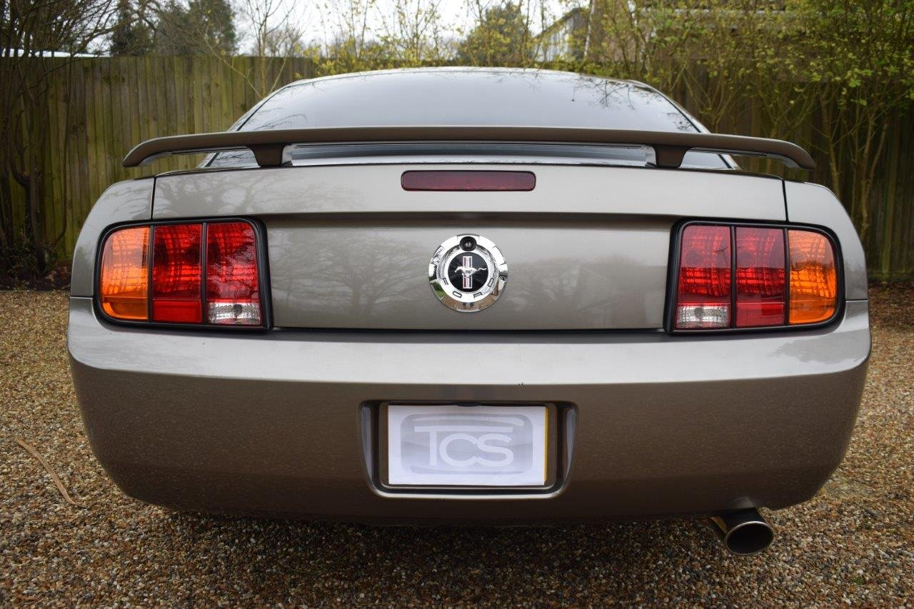 2005 Ford Mustang Fastback 5-Speed Manual  For Sale (picture 5 of 6)