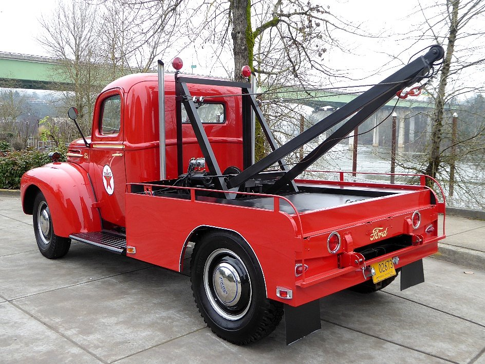 1946 Ford Tow Truck = Full Rested Red Rare Find $25.5k For Sale (picture 3 of 6)