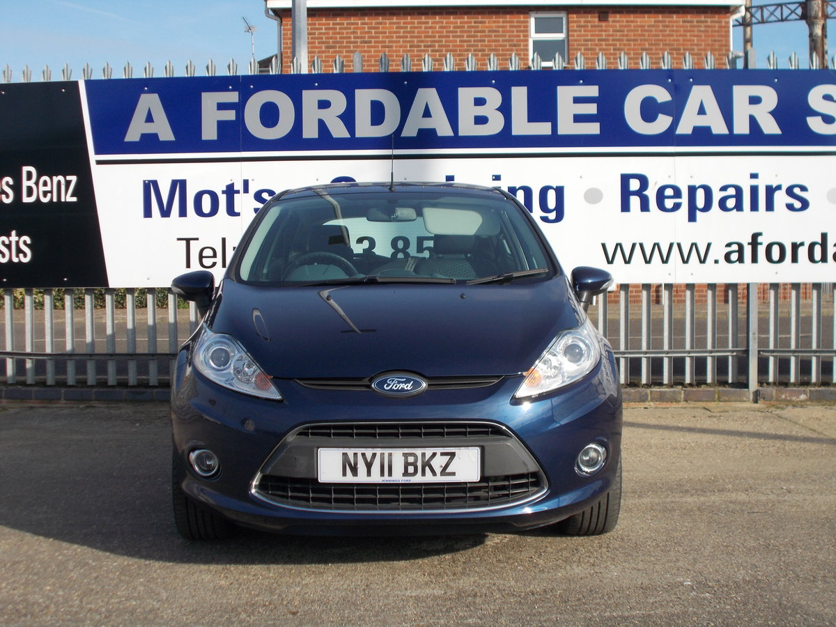 2011 Ford Fiesta 1.2 Zetec ONLY 7000 MILES SOLD (picture 2 of 6)
