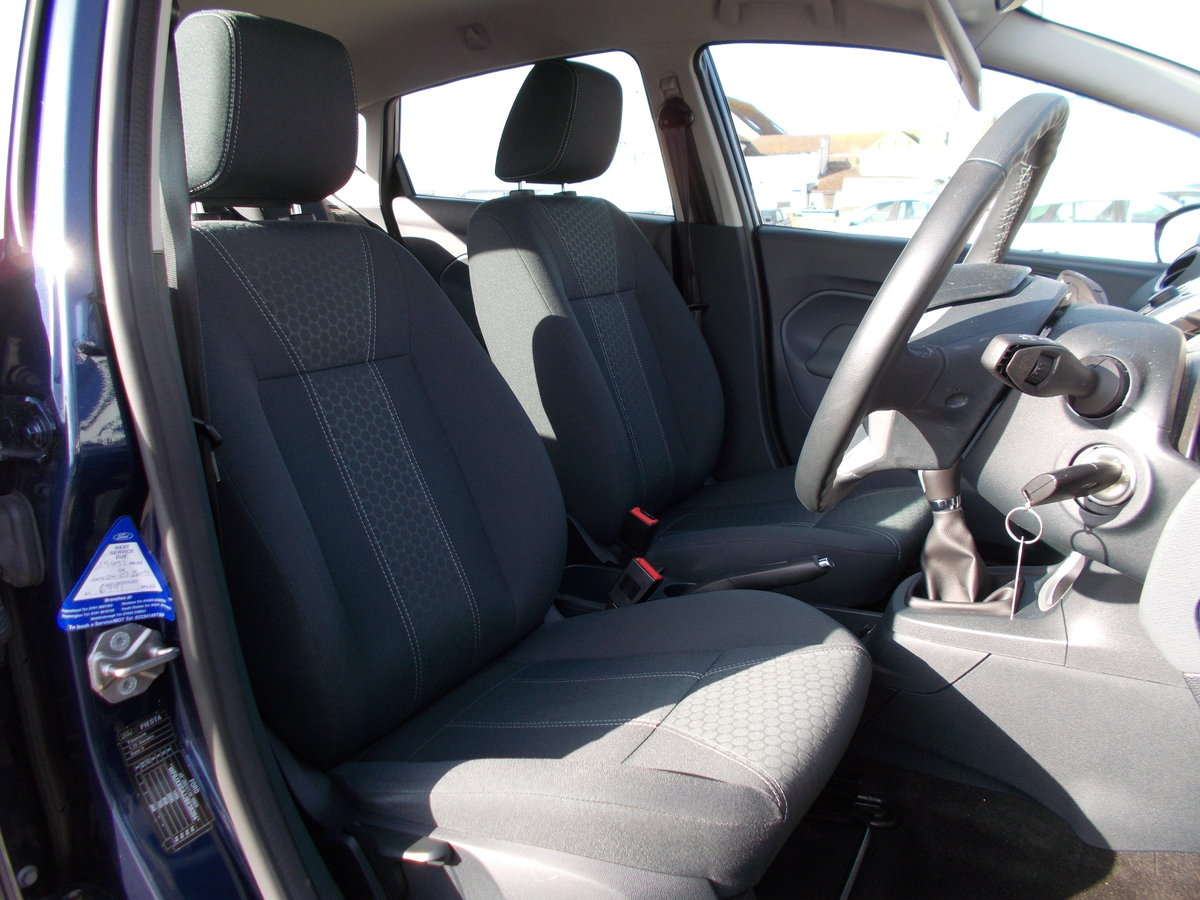 2011 Ford Fiesta 1.2 Zetec ONLY 7000 MILES SOLD (picture 4 of 6)
