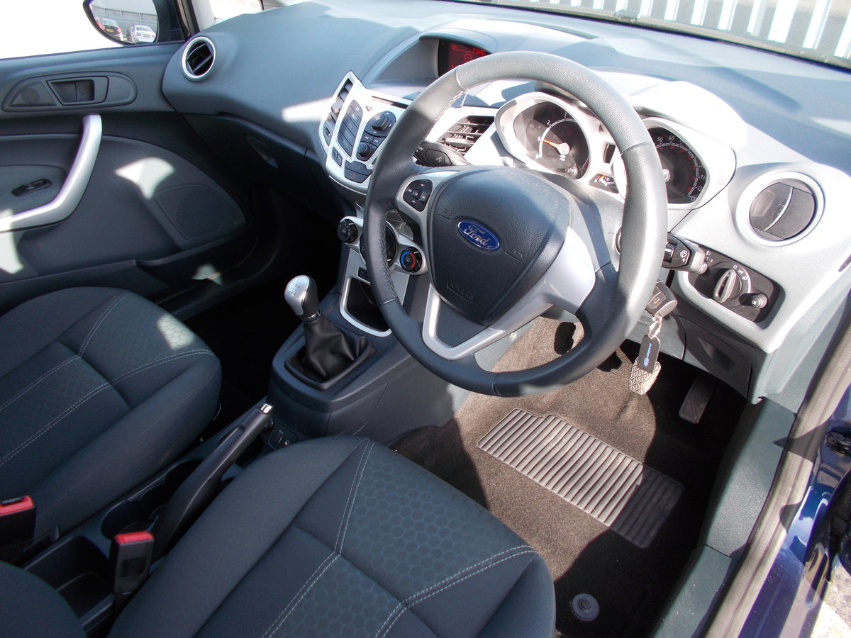 2011 Ford Fiesta 1.2 Zetec ONLY 7000 MILES SOLD (picture 5 of 6)