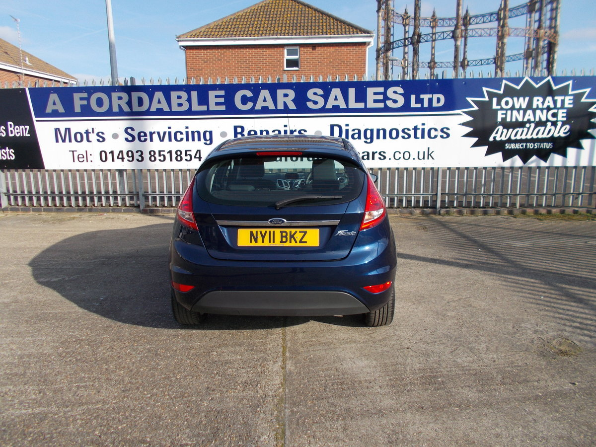 2011 Ford Fiesta 1.2 Zetec ONLY 7000 MILES SOLD (picture 3 of 6)