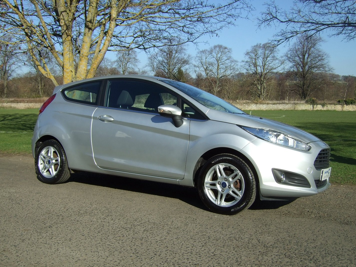 2013 Automatic for the People? Fiesta Zetec 1.6 Auto SOLD (picture 1 of 6)