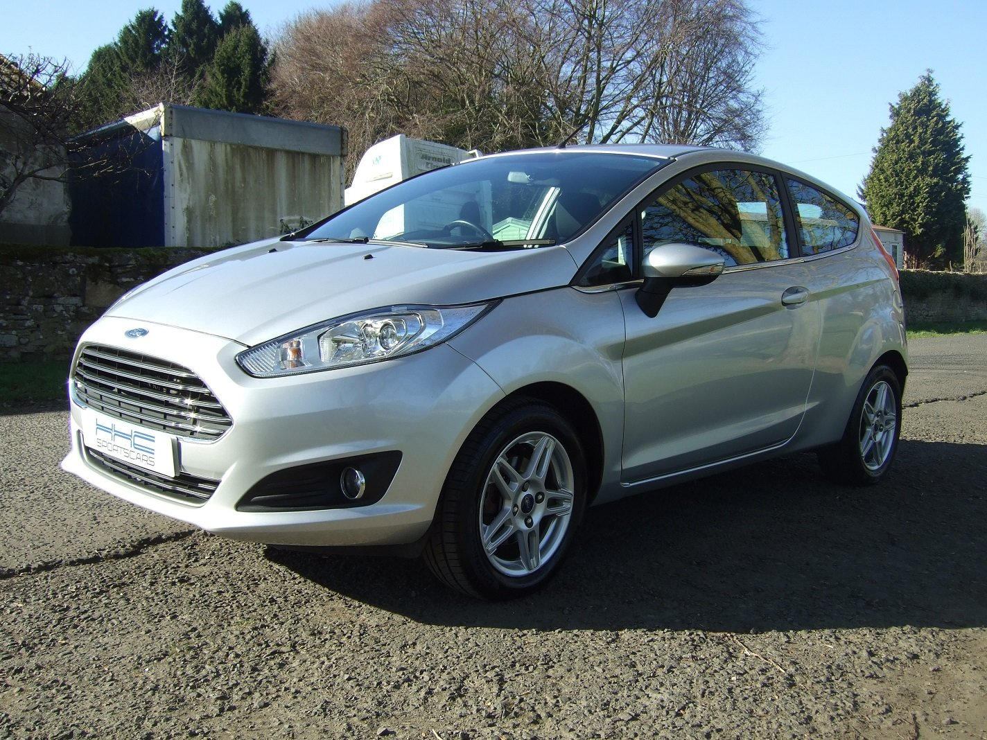 2013 Automatic for the People? Fiesta Zetec 1.6 Auto SOLD (picture 2 of 6)