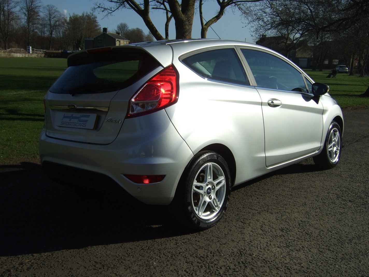 2013 Automatic for the People? Fiesta Zetec 1.6 Auto SOLD (picture 4 of 6)