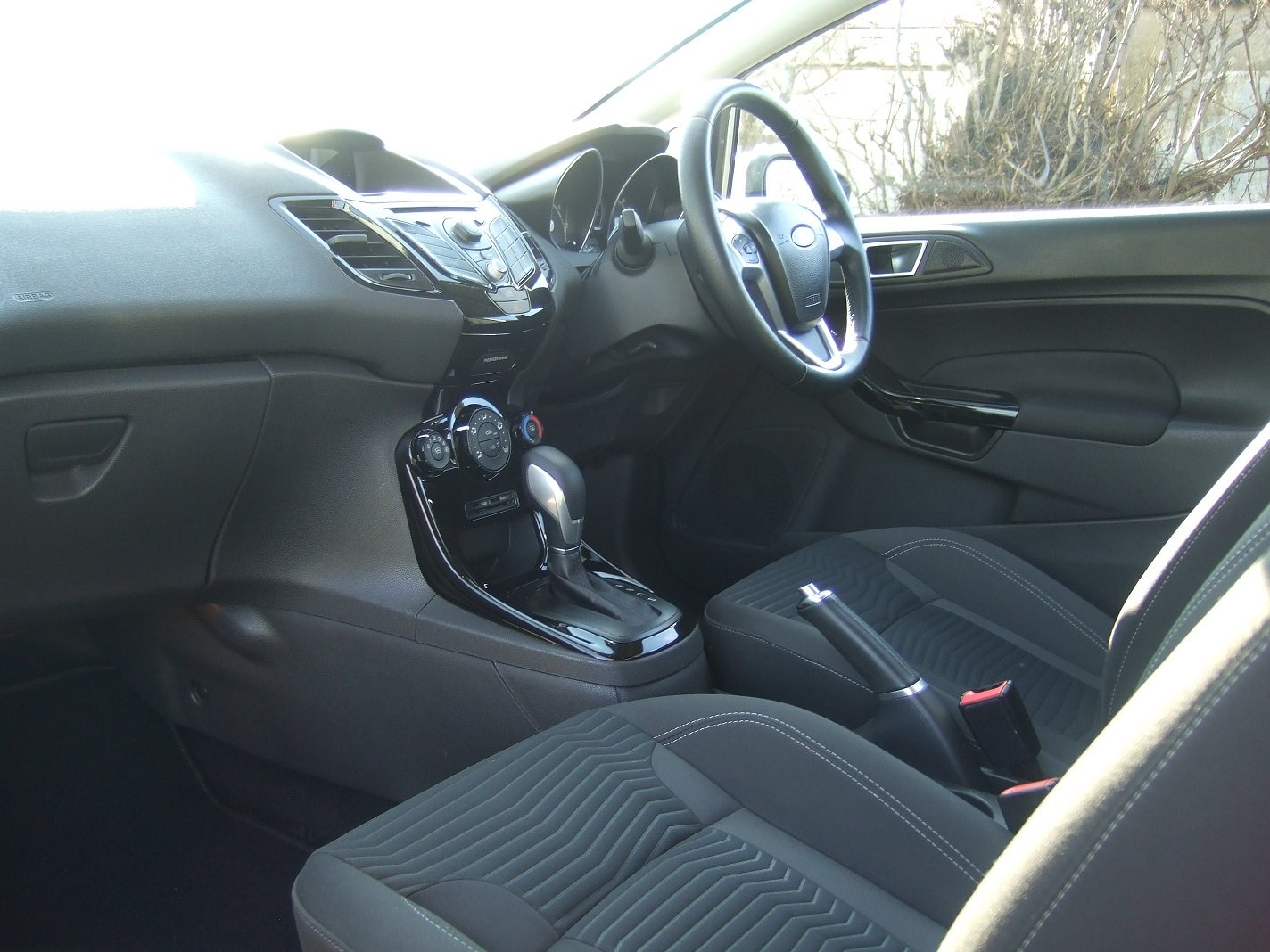 2013 Automatic for the People? Fiesta Zetec 1.6 Auto SOLD (picture 6 of 6)