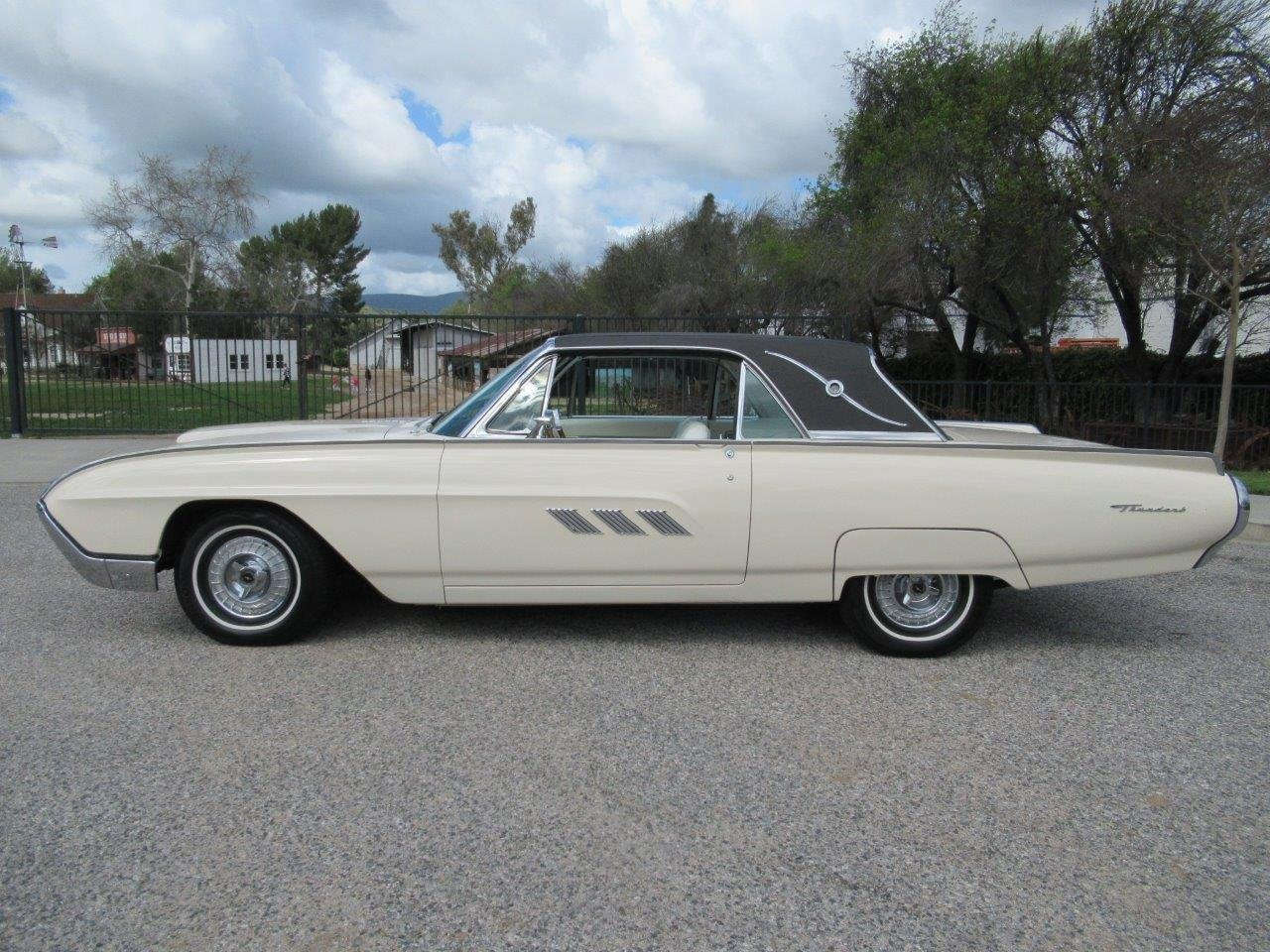 1963 Ford Thunderbird – Prince of Monaco For Sale (picture 1 of 6)
