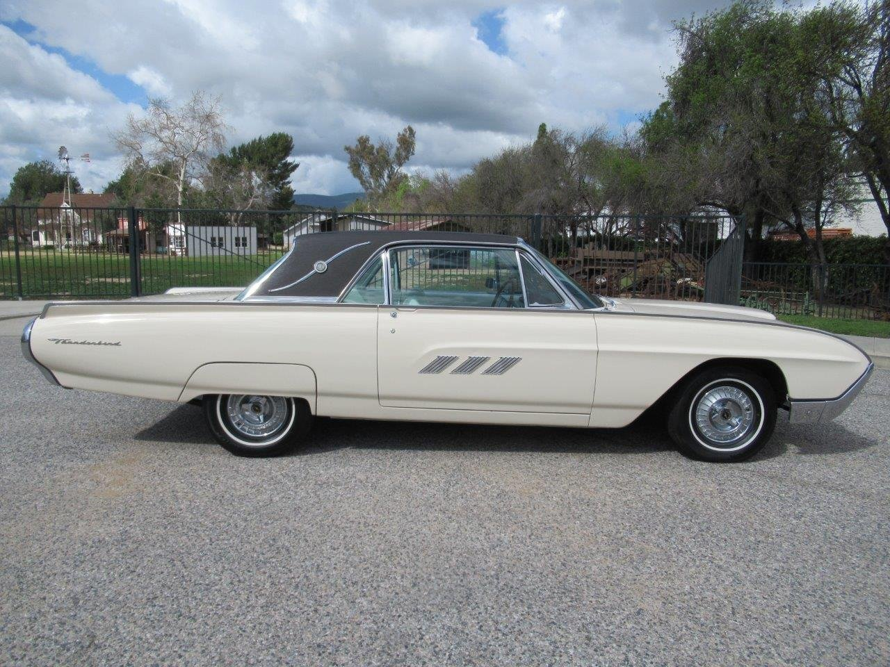 1963 Ford Thunderbird – Prince of Monaco For Sale (picture 2 of 6)