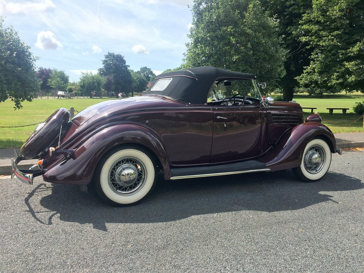 1935 Beautiful Ford V8 Roadster Deluxe SOLD (picture 3 of 6)