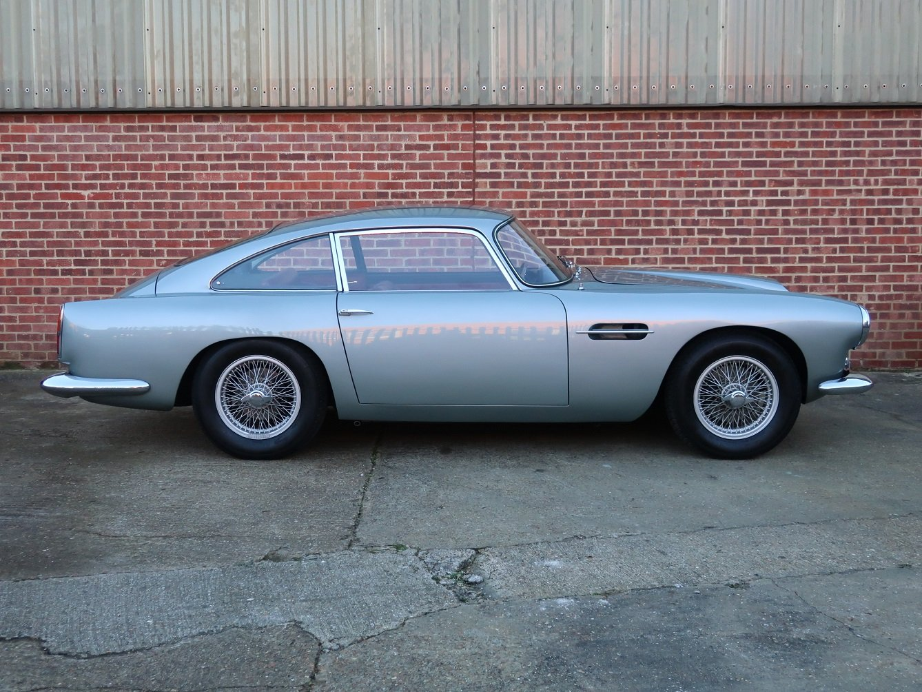 1961 Aston Martin DB4 Series ll For Sale (picture 2 of 6)