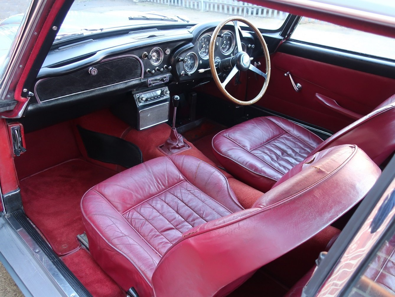 1961 Aston Martin DB4 Series ll For Sale (picture 3 of 6)