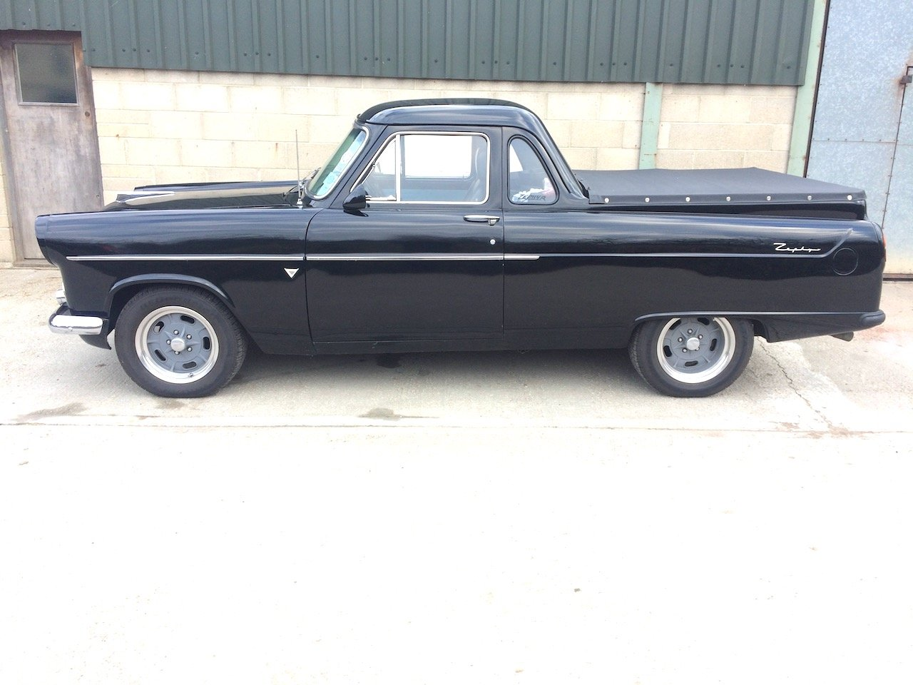 1957 Ford Mk 2 Zephyr Highline UTE pick-up For Sale (picture 2 of 6)