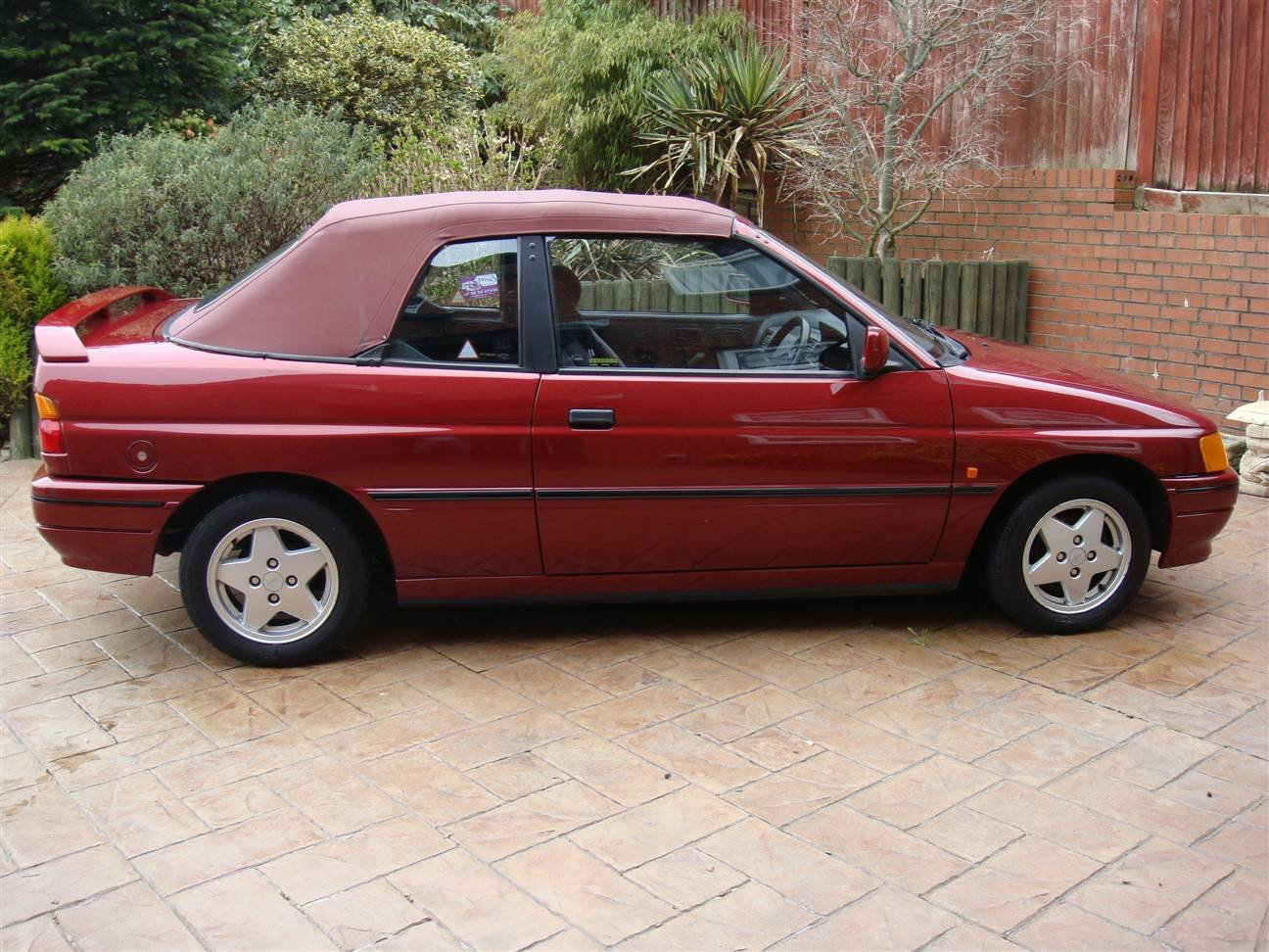 1992 Escort Cabriolet (Bardolino Red ) SOLD (picture 1 of 6)