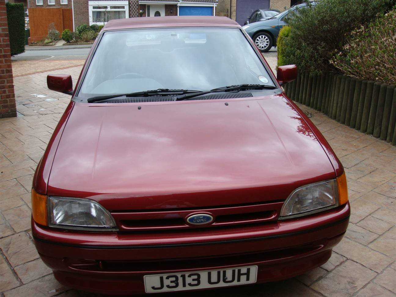 1992 Escort Cabriolet (Bardolino Red ) SOLD (picture 6 of 6)