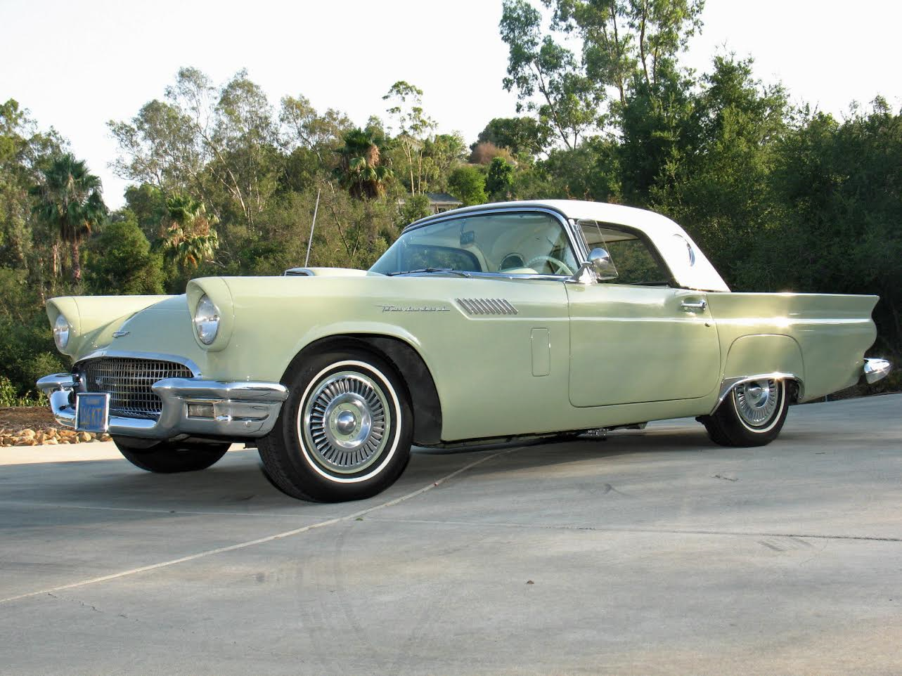 1957 Ford Tbird Convertible with Assy Hardtop For Sale (picture 1 of 6)