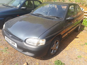 1995 FORD ESCORTS LOST STORAGE NEED GONE