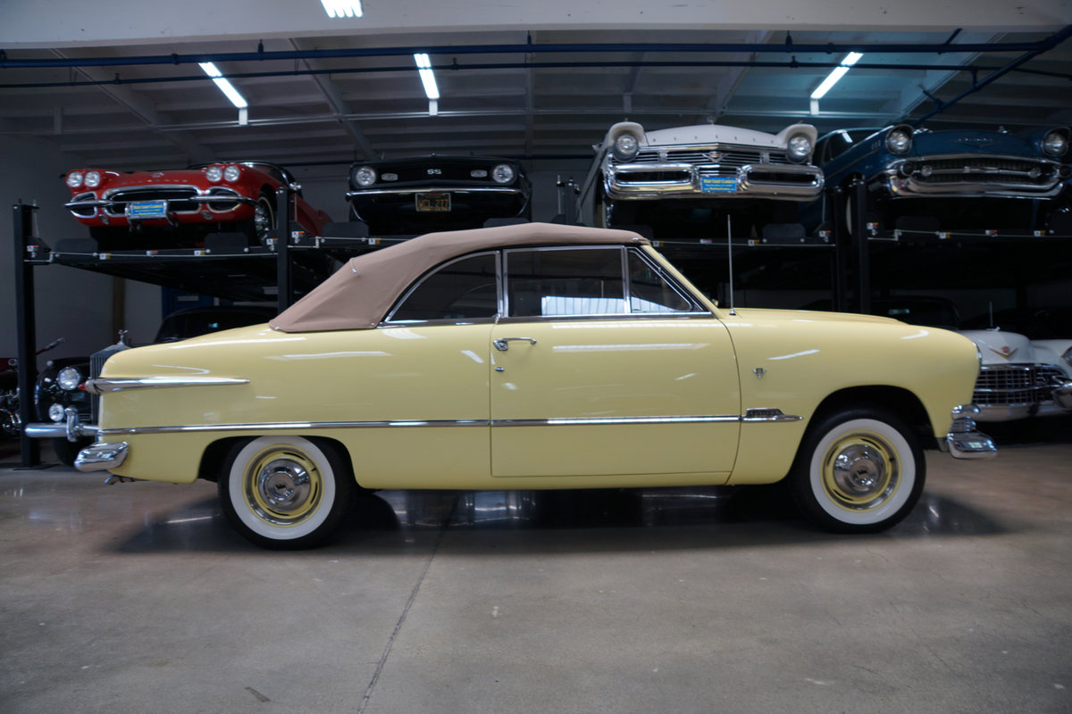 1951 Ford Custom DeLuxe 239 V8 Convertible  For Sale (picture 3 of 6)