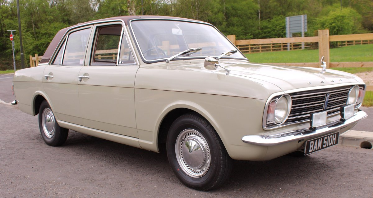 1970 Ford Cortina Deluxe 1600 cc EXPORT MODEL Beautiful  SOLD (picture 1 of 6)