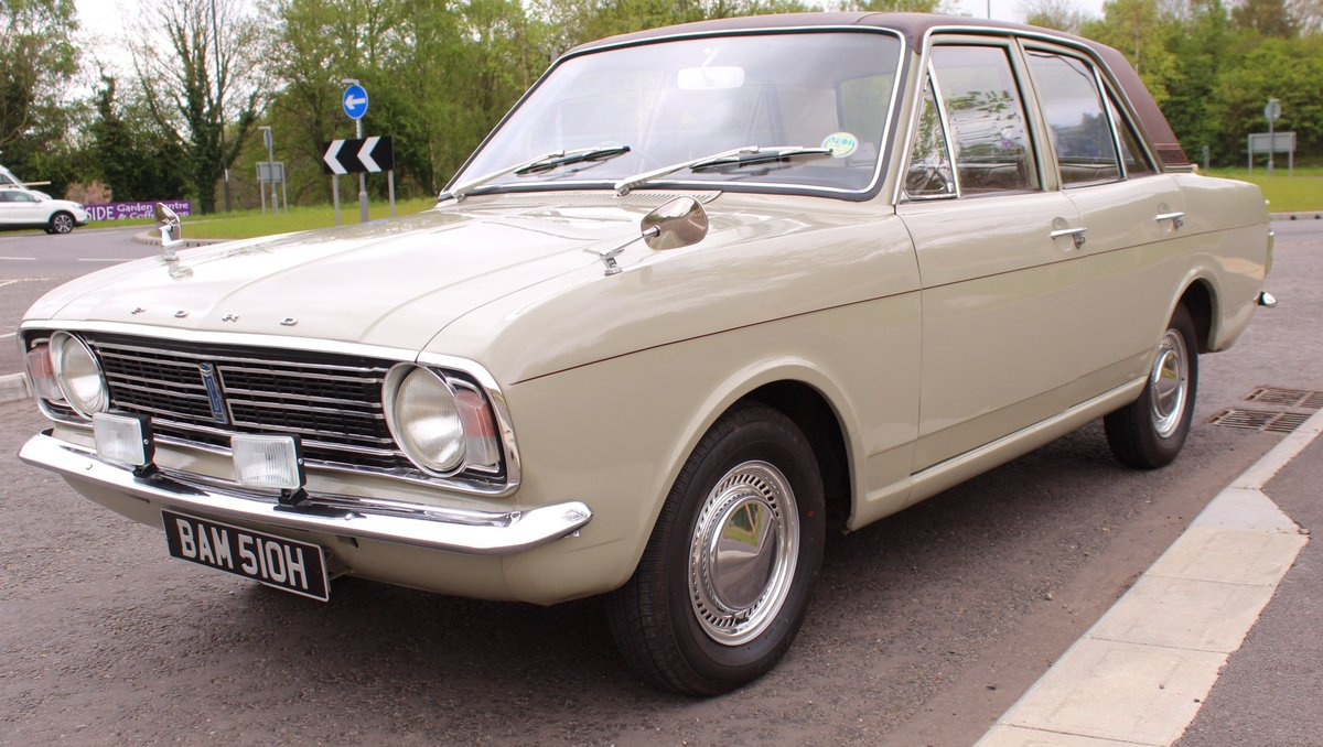 1970 Ford Cortina Deluxe 1600 cc EXPORT MODEL Beautiful  SOLD (picture 2 of 6)