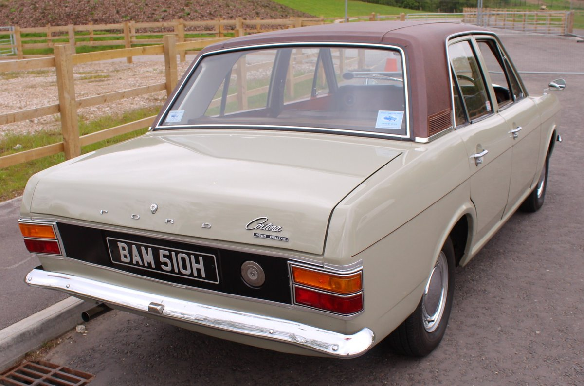 1970 Ford Cortina Deluxe 1600 cc EXPORT MODEL Beautiful  SOLD (picture 5 of 6)