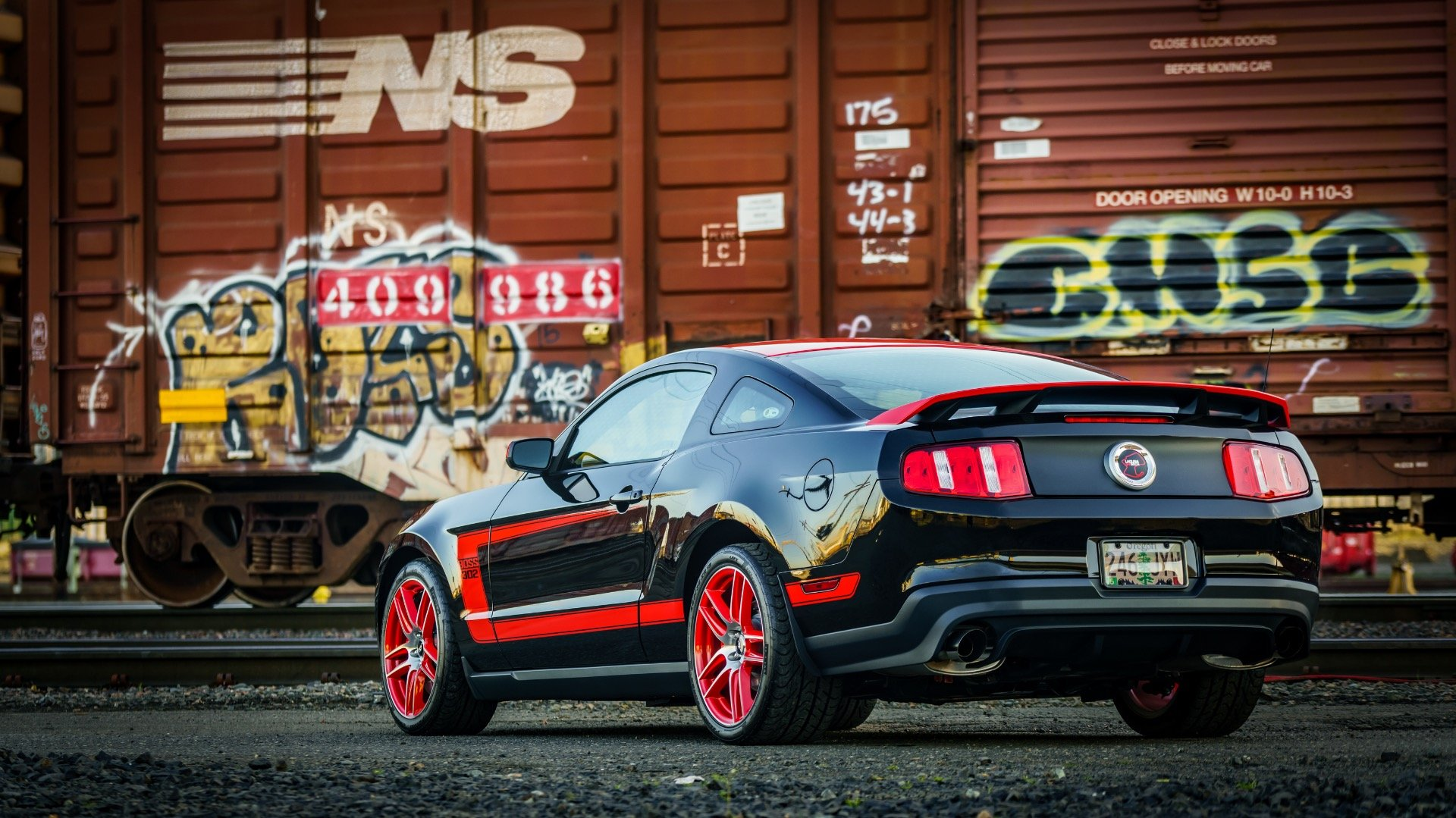 2012 Ford Mustang Boss 302 = Rare 1 of 767 Black Manual $48k For Sale (picture 3 of 6)