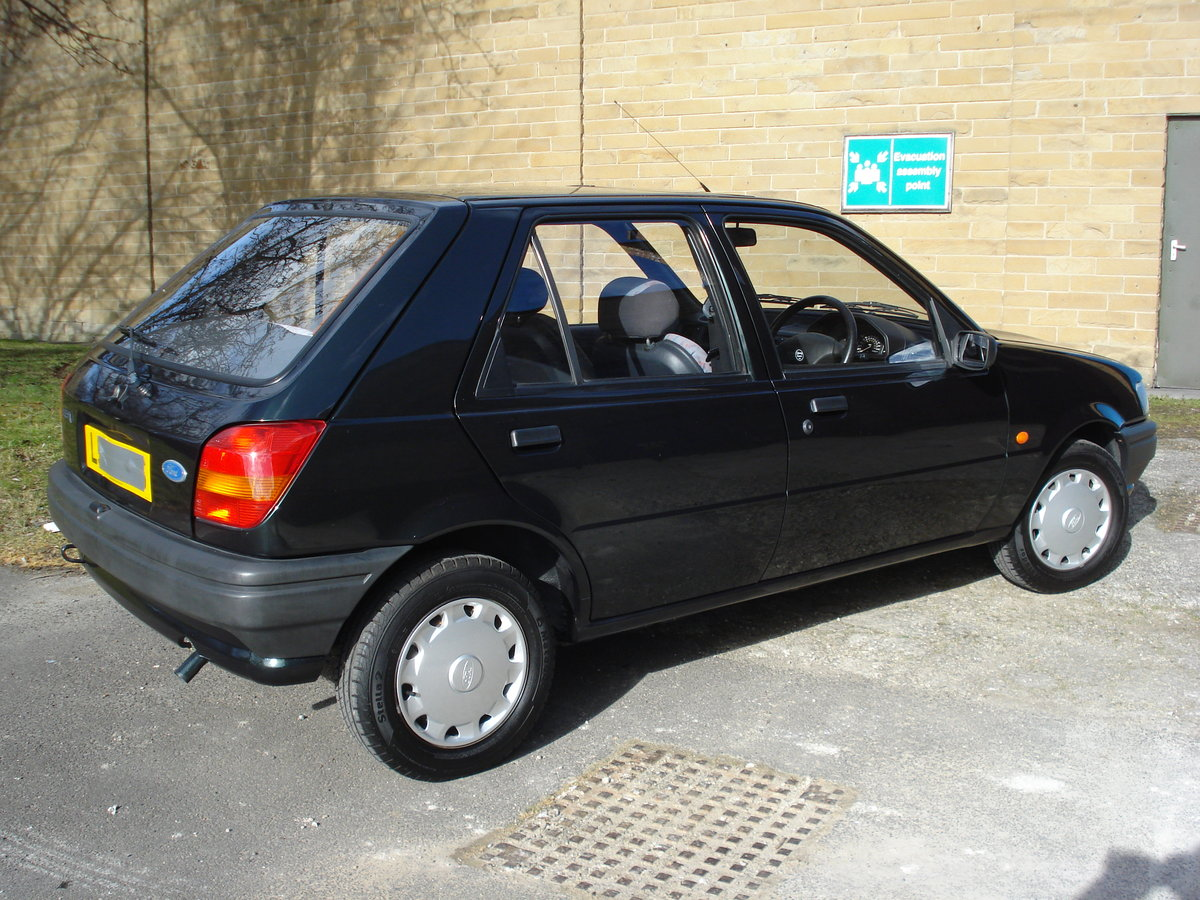 1994 Ford fiesta 1.1 only 41,000 miles mot nov 2019 For Sale (picture 2 of 6)