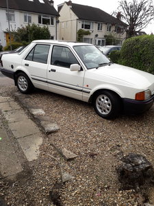 One owner dry stored, Ford Orion, 18 DX, mot, 1989