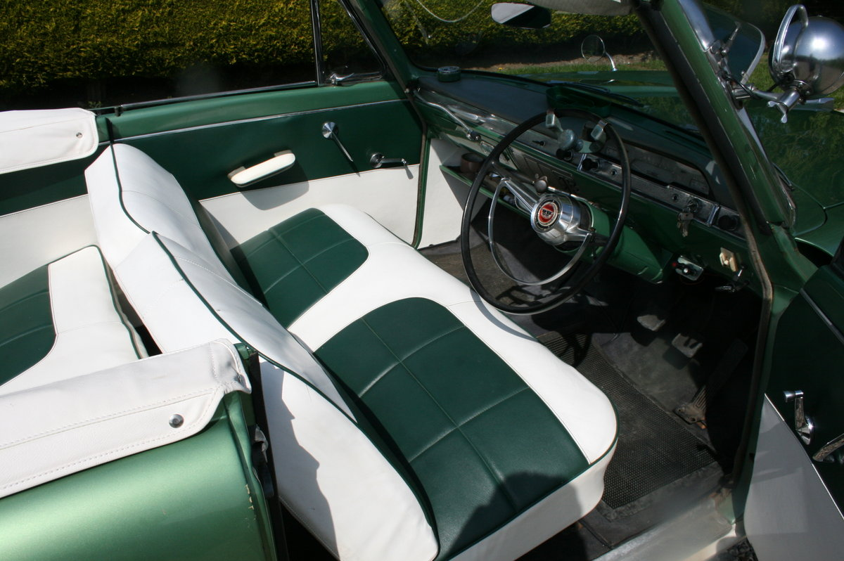 1961 MK2 Zephyr Zodiac Convertible. NOW SOLD.MORE CLASSIC FORDS  Wanted (picture 3 of 6)