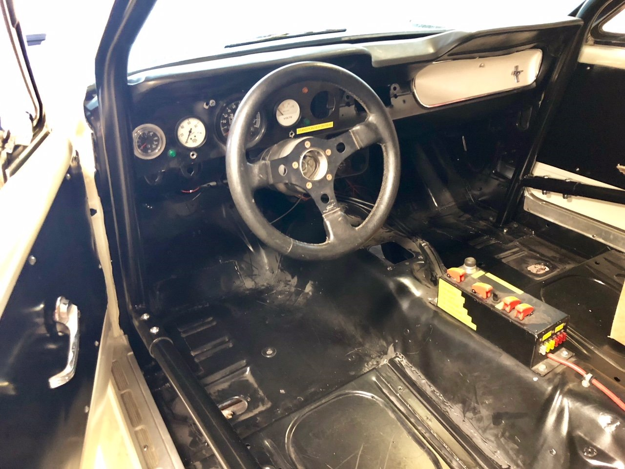 1965 Mustang Racecar project For Sale (picture 2 of 5)