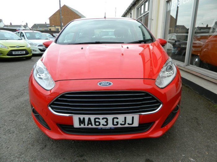2013/63 Ford Fiesta 1.25 Zetec 3dr 29859 miles F/S/History  SOLD (picture 2 of 6)