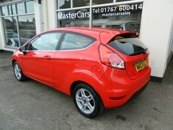 2013/63 Ford Fiesta 1.25 Zetec 3dr 29859 miles F/S/History  SOLD (picture 3 of 6)