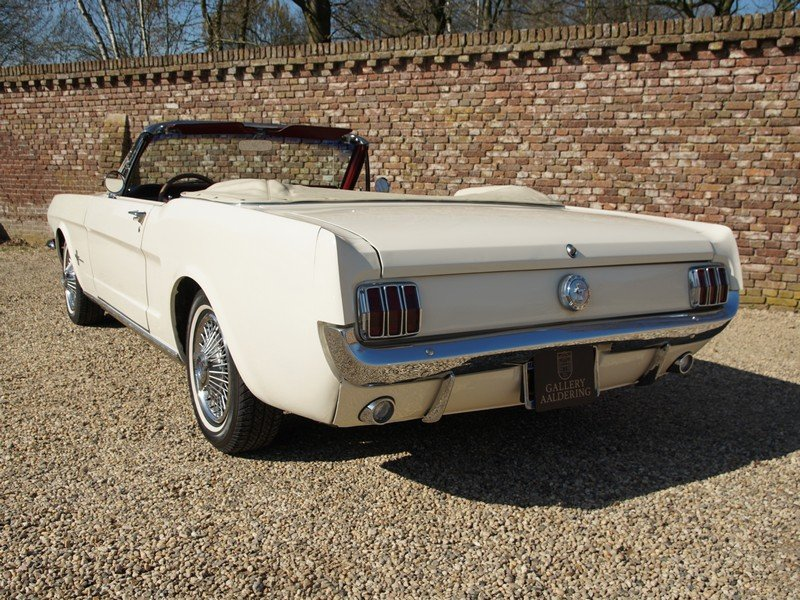 1966 Ford Mustang Convertible with disc brakes, pony interior For Sale (picture 6 of 6)
