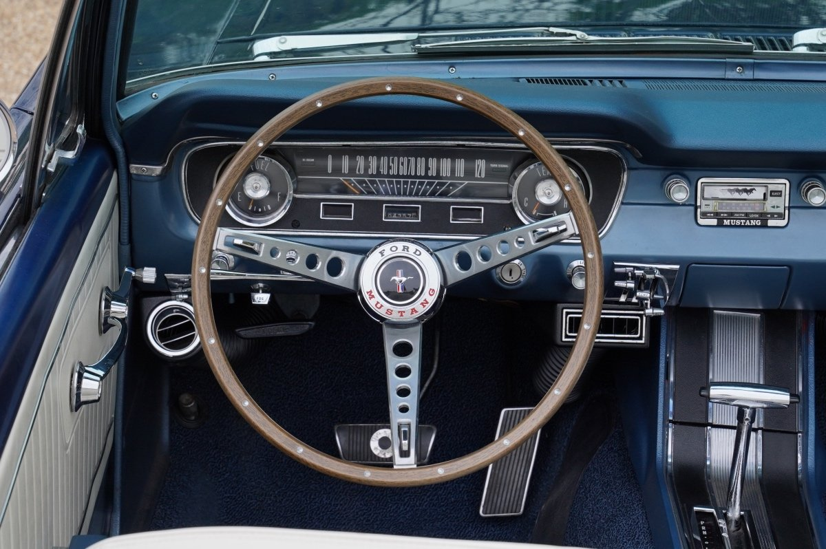 1965 FORD MUSTANG 289 V8 CONVERTIBLE FULL SPECIFICATION SOLD (picture 6 of 6)