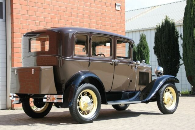 Ford Model A Fordor  SOLD (picture 4 of 6)