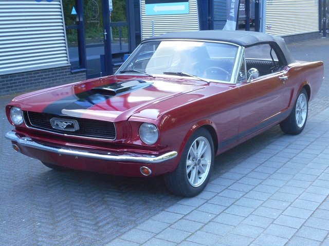 1965 FORD MUSTANG CONVERTIBLE 289 V8 For Sale (picture 1 of 6)
