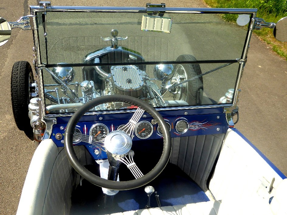 1923 Ford T Bucket = Custom Flames V-8 auto $22.5k For Sale (picture 4 of 6)