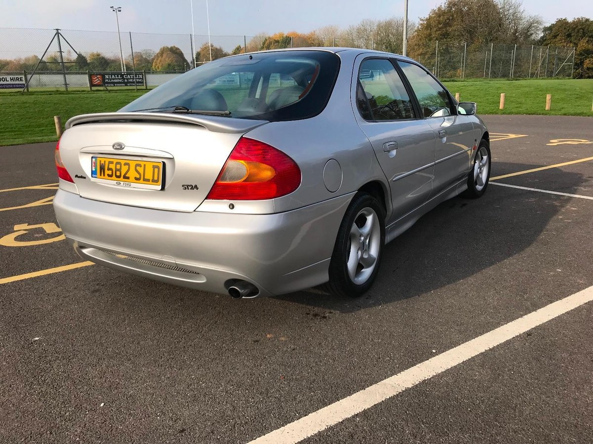 Ford Mondeo ST Yr2000 - Simply Stunning Example For Sale (picture 4 of 6)
