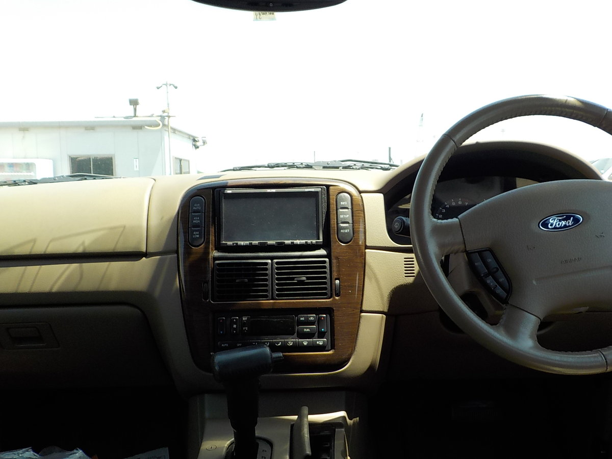 2004 FORD EXPLORER 4.6 EDDIE BAUER AUTOMATIC * 7 SEATER 4X4 SOLD (picture 5 of 6)