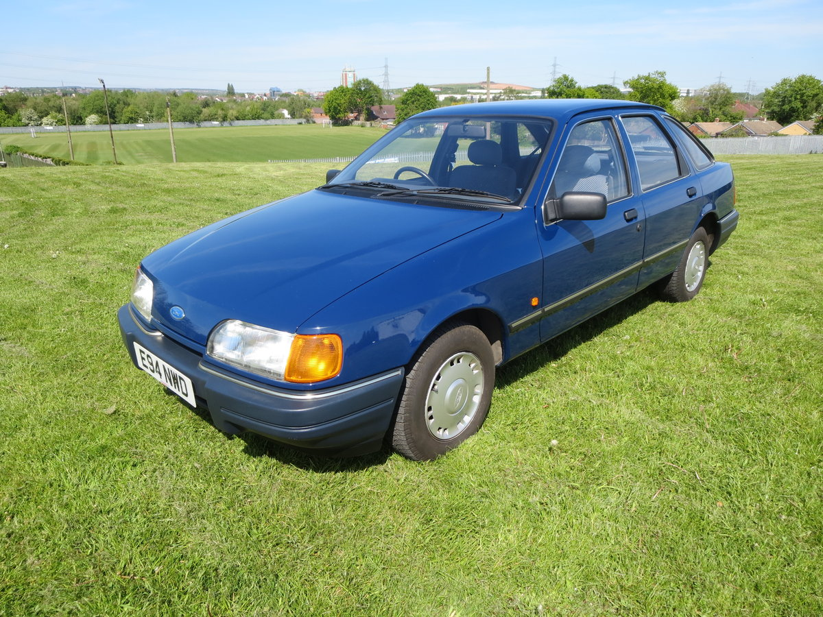 1988 1987 ford sierra 1.6 L Galaxy Blue For Sale (picture 1 of 6)