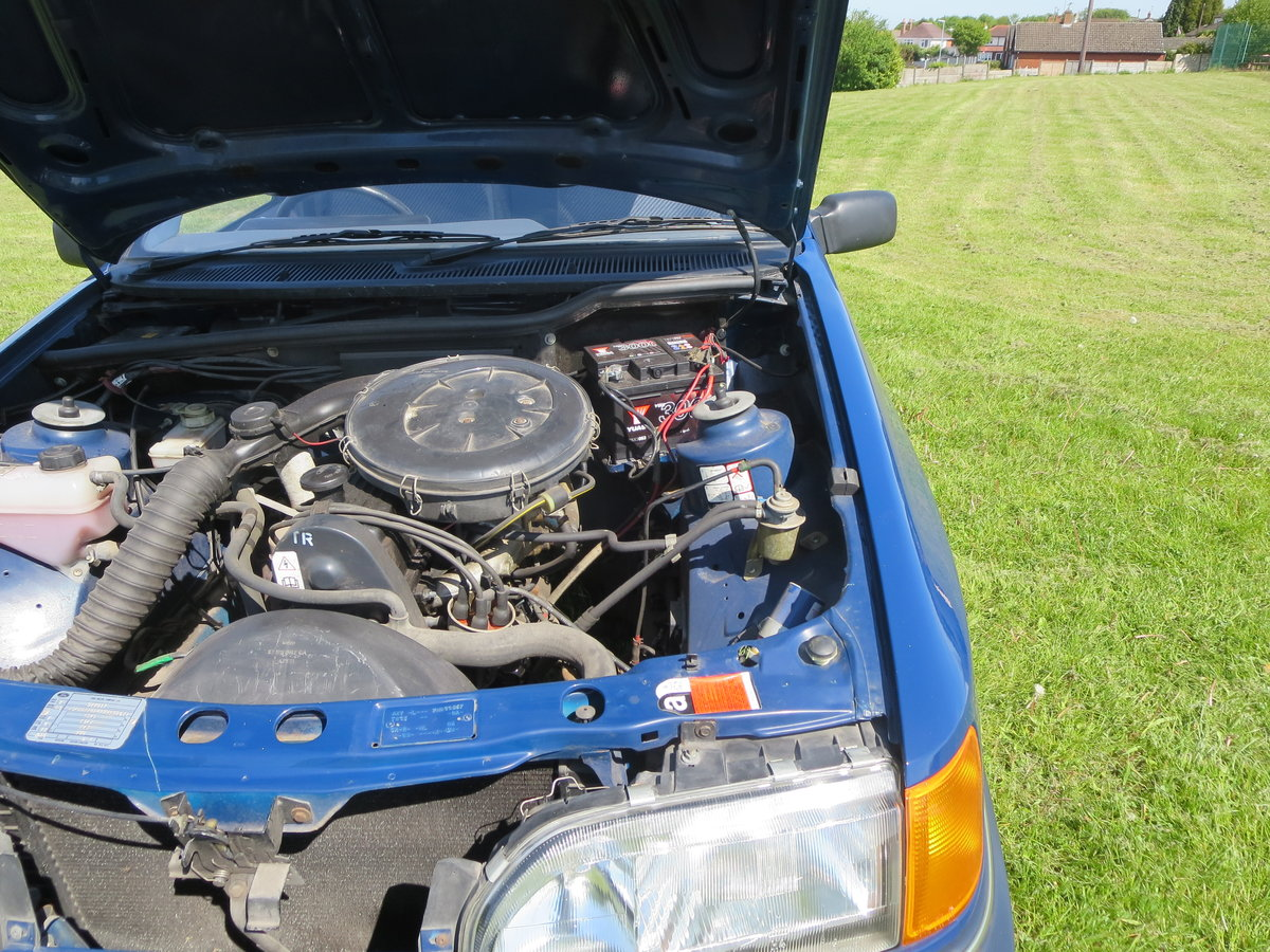 1988 1987 ford sierra 1.6 L Galaxy Blue For Sale (picture 2 of 6)