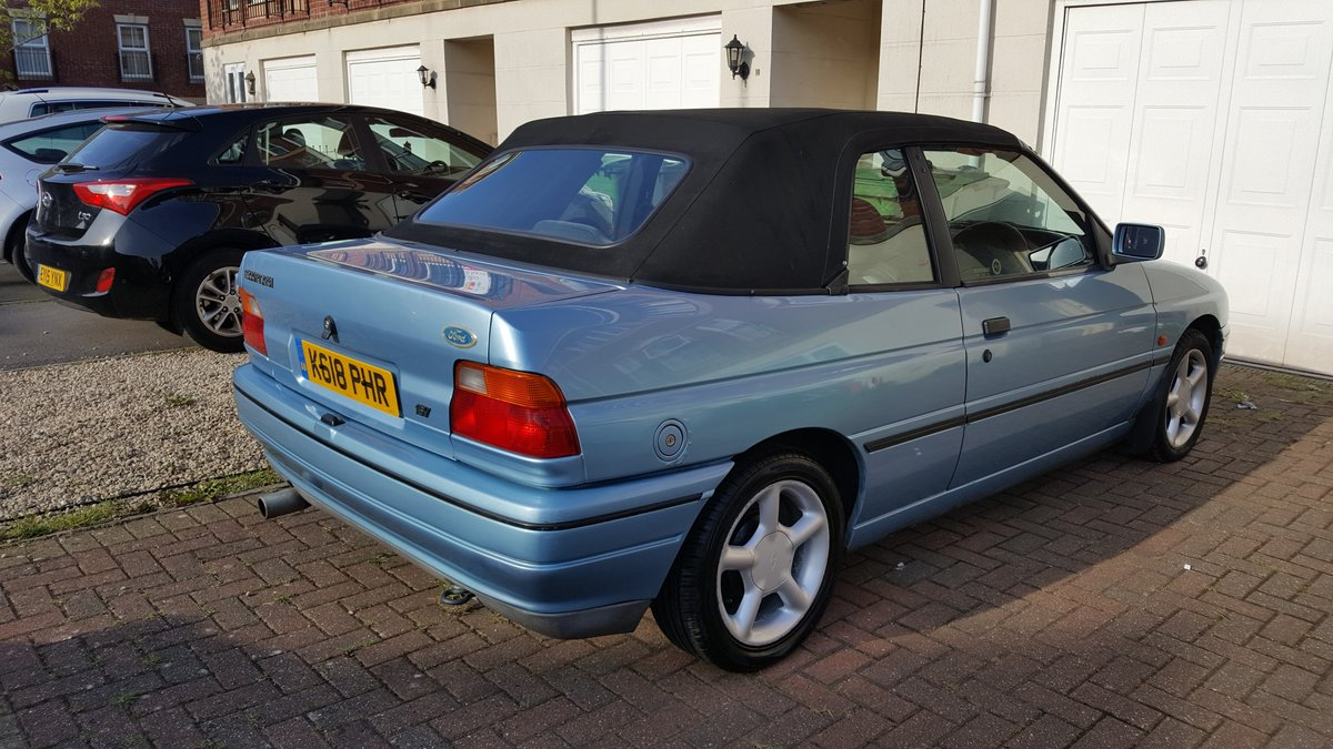 1993 Ford Escort XR3i Cabriolet  For Sale (picture 2 of 6)