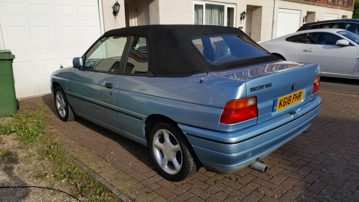 1993 Ford Escort XR3i Cabriolet  For Sale (picture 3 of 6)